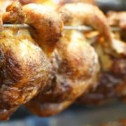 Vogelgrippe und Brathähnchen haben an sich so viel miteinander zu tun wie Leberkäse und Nutella. Das bt hat nachgefragt. Foto: Raphael Weiß