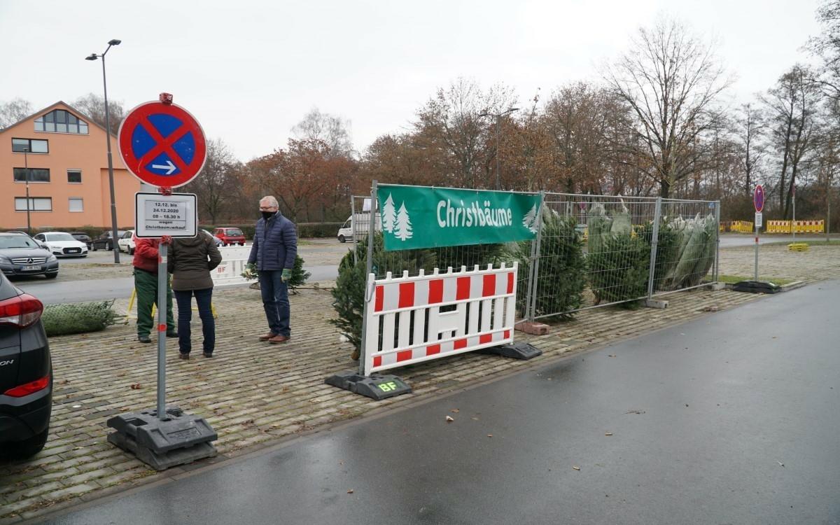 Christbaumverkauf in Bayreuth in der Corona-Krise. Foto: Raphael Weiß