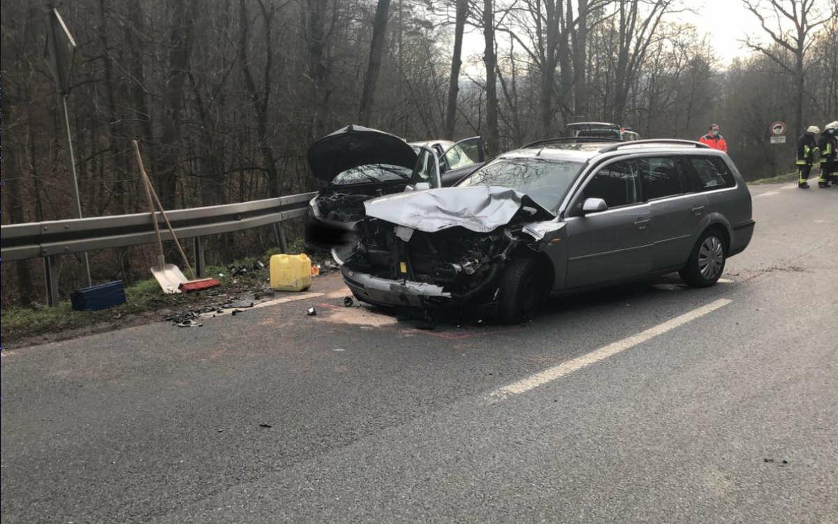 Im Landkreis Kulmbach sind zwei Autos zusammengekracht. Foto: Raphael Weiß