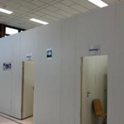 Das Impfzentrum in der Turnhalle der Johannes-Kepler-Realschule in Bayreuth. Aktuell kommt es zu Problemen wegen gelöschter Accounts. Archivfoto: Katharina Adler