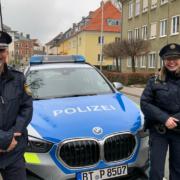 Polizeihauptkommissar Thomas Neuss und Polizeiobermeisterin Monika Tausch lieben ihren Beruf. Foto: Katharina Adler
