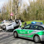 Dramatischer Unfall im Landkreis Hof: Mehrfach mit dem überschlagen. Symbolbild: pixabay
