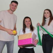Die Bayreuther Studenten Nikolaj Penava, Helena Müller und Isabella Baier (v.l.n.r.) wollen mit ihrem Startup SpoeGO die Gesellschaft zu mehr Bewegung animieren. Foto: SpoeGo
