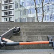 In Bayreuth hat ein Mann gegen die Ausgangssperre verstoßen: Er fuhr betrunken auf einem E-Scooter herum. Symbolfoto: Pixabay