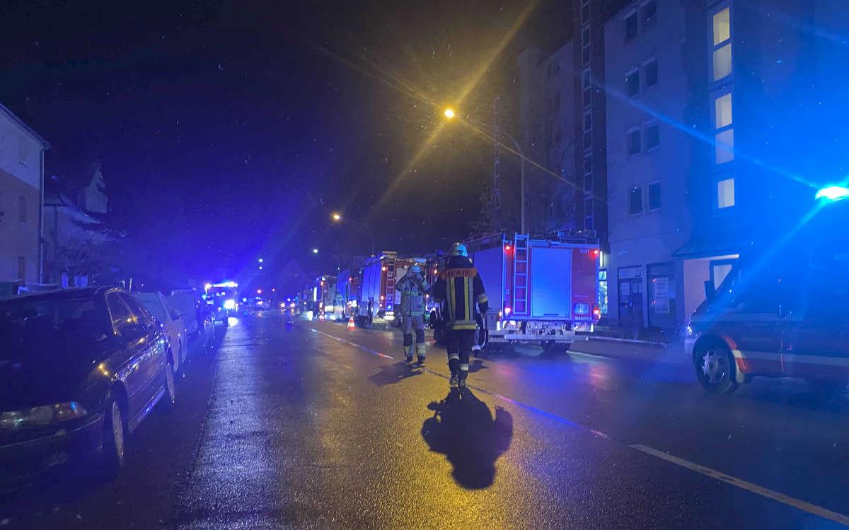 Zwei Verletzte bei einem Gasleck in Bayreuth: Feuerwehr, Rettungsdienst und Polizei waren im Einsatz. Foto: News5/Holzheimer