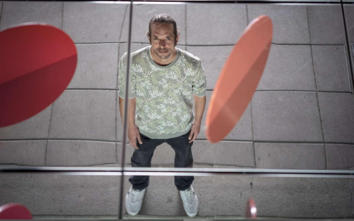 Ben Zimmermann aus Fürth hat einen Plattenvertrag als Produzent von House-Musik. Seit 2005 ist er auch unter dem Namen Sender als Rapper aktiv. Foto: Rainer Windhorst