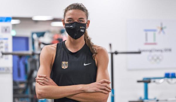 Die Maske schützt und unterstützt deutschen Olympia- und Paralympics-Kaderathleten wie Christina Hering, achtfache Deutsche Meisterin im 800-Meter-Lauf. Foto: djd/www.5log.de