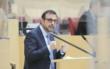 Bayerns Gesundheitsminister Klaus Holetschek erklärt: Nun können Corona-Impftermine auch per Post erlangt werden. Quelle: Bildarchiv Bayerischer Landtag, Foto: Stefan Obermayer