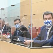 Bayerns Ministerpräsident Markus Söder leitet heute eine Sitzung des Ministerrats. Dabei muss sich die Regierung entscheiden, ob sie dem harten Notbremsen-Gesetz der Bundesregierung zustimmt. Foto: Rolf Poss (Bildarchiv Bayerischer Landtag)