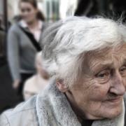 Eine Rentnerin hat sich am Montag (1.2.2021) in Naila Butter, Wurst und Süßigkeiten in die Hose gesteckt. Sie wollte die Waren stehlen. Symbolfoto: Pixabay