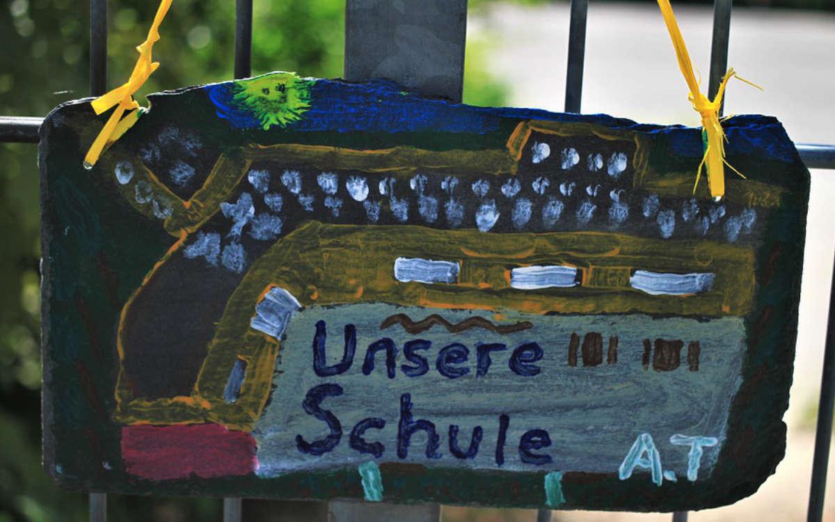 Wegen der Corona-Pandemie bleiben die Schulen im Landkreis Bayreuth weiter zu. Symbolfoto: Pixabay