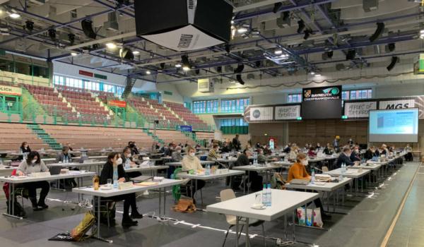 Der Stadtrat Bayreuth berät in der Oberfrankenhalle über den Haushalt 2021. Foto: Katharina Adler