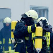 Die Feuerwehr in Bayreuth im Einsatz. Bei der Müllumladestation hat es einen Brand gegeben. Symbolfoto: Pixabay