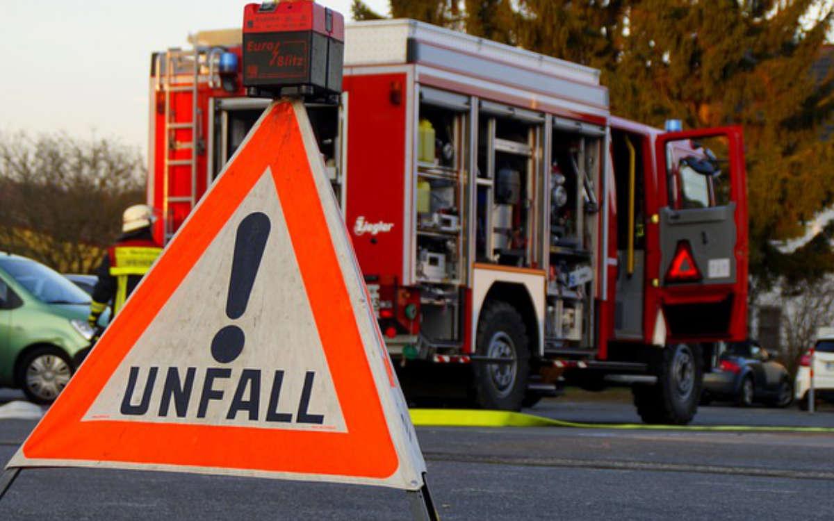 Heftiger Unfall bei Naila: Alle Beteiligten müssen ins Krankenhaus. Symbolbild: Pixabay