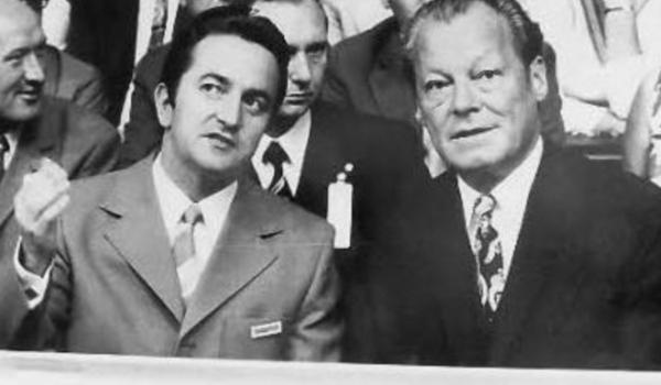 Manfred Kreitmeier mit Bundeskanzler Willy Brandt. Archivfoto: Stephan Müller