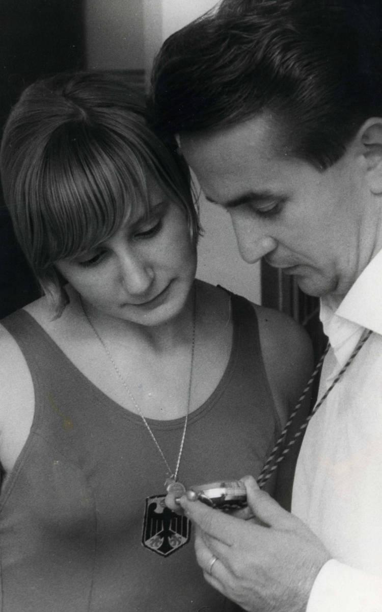 Manfred Kreitmeier mit der Bronzemedaillengewinnerin Heidi Reineck aus Bayreuth. Foto: Archiv Stephan Müller / Manfred Kreitmeier.
