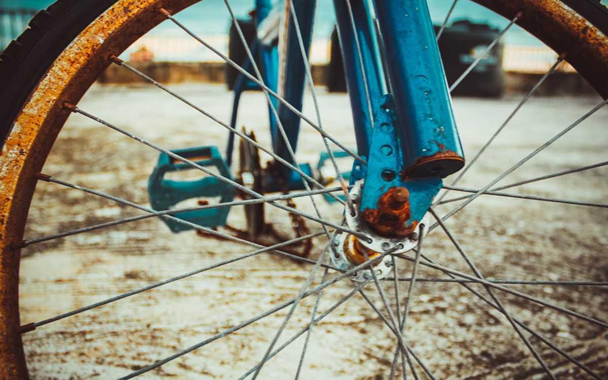 In Bayreuth hat es am Montag (22.2.2021) einen Unfall mit einem Fahrrad gegeben. Eine Frau wurde verletzt. Symbolbild: Pixabay
