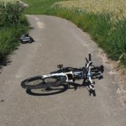 Im Landkreis Kulmbach ist ein älterer Radfahrer in einen Graben gestürzt. Symbolbild: Pixabay