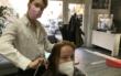 Nach langem Lockdown: Bayreuth kriegt die Haare wieder schön. Foto: Raphael Weiß