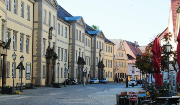 Click & Collect: In der Fußgängerzone dürfen in Bayreuth nun auch Kunden parken, um Erledigungen zu machen. Symbolfoto: Pixabay