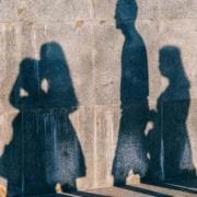 In Hof (Oberfranken) haben mehrere Menschen gegen die Corona-Regeln verstoßen. Die Polizei deckte Verstöße gegen die Kontaktbeschränkungen auf. Symbolfoto: Pixabay