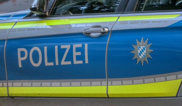Die Polizeiinspektion Bayreuth-Stadt sucht Zeugen der Verwüstung eines Biergartens in der Bahnhofstraße am frühen Morgen des 12.6.2021. Symbolfoto: Pixabay