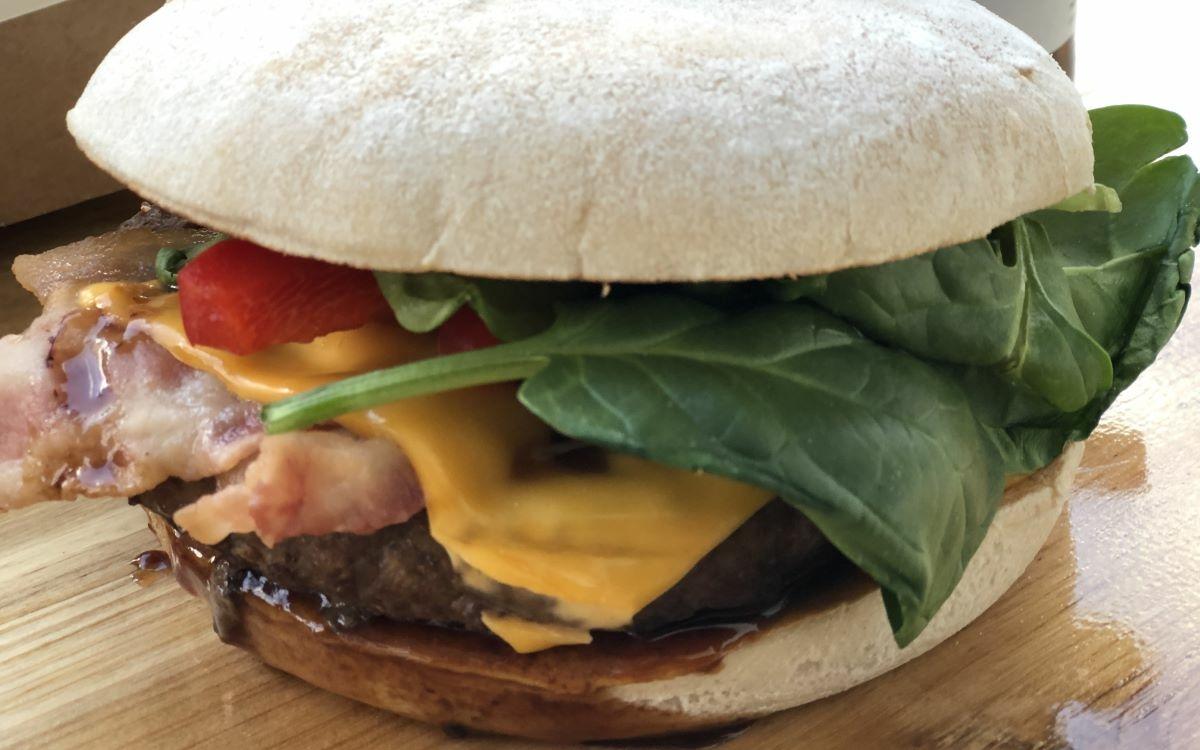Die bt-Leser haben abgestimmt: Das ist der beste Burger-Bringdienst in Bayreuth. Foto: Raphael Weiß
