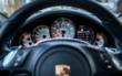 Ein Porschefahrer hat die Kontrolle über seinen Wagen verloren. Sein Auto schleuderte über die A9. Symbolfoto: Pixabay