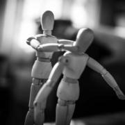 Am Samstagabend (28.3.2021) hat ein Mann aus Hof derart heftig mit seiner Lebensgefährtin gestritten, dass die Polizei dessen Tochter zu ihrer leiblichen Mutter bringen musste.. Symbolfoto: pixabay