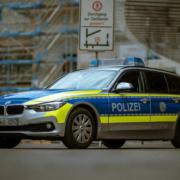 Bei einem Verkehrsunfall im Landkreis Wunsiedel überschlug sich ein Auto. Symbolfoto: Mika Baumeister/Unsplash
