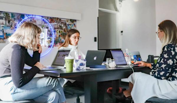 Der Startup Point in Bayreuth bietet Startups, Gründern und den Unternehmern von morgen eine Anlaufstelle. Symbolfoto: S O C I A L : C U T/Unsplash