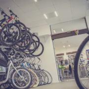 Aus einem Fahrradgeschäft in Kulmbach wurden mindestens 40 Fahrräder gestohlen. Symbolfoto: Pexels/Alexander Dummer