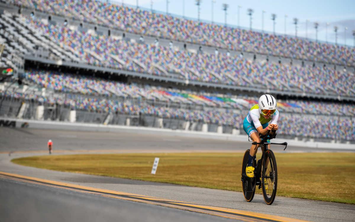Der Saisonauftakt von Anne Haug in Miami findet wie das letzte Rennen 2020 in den USA auf einer großen NASCAR-Autorennstrecke statt. Foto: PTO Professional Triathletes Organisation