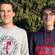 Nils Ankenbrand und Luca Kreger haben gemeinsam mit ihren Mitschülern das Start-up The Greene Beene gegründet. Foto: RWG Bayreuth