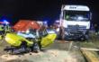 Ein Lkw ist frontal in den Gegenverkehr im Kreis Lichtenfels gedonnert. Dabei wurde eine 18-Jährige schwer verletzt. Foto: NEWS5/Merzbach