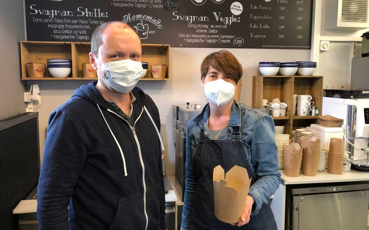 Peter Appel und Andrea Übelhack betreiben haben mit dem Swagman das bt-Leservoting als bestes Streetfood gewonnen. Foto: Susanne Monz