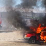 Schock für Autofahrer in Oberfranken: Flammen schlagen aus dem Motor! Symbolbild: pixabay
