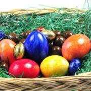 Osternest: Wer Schoko-Eier nascht, sollte auch ans Zähneputzen denken. © PantherMedia / Ines Weiland-Weiser