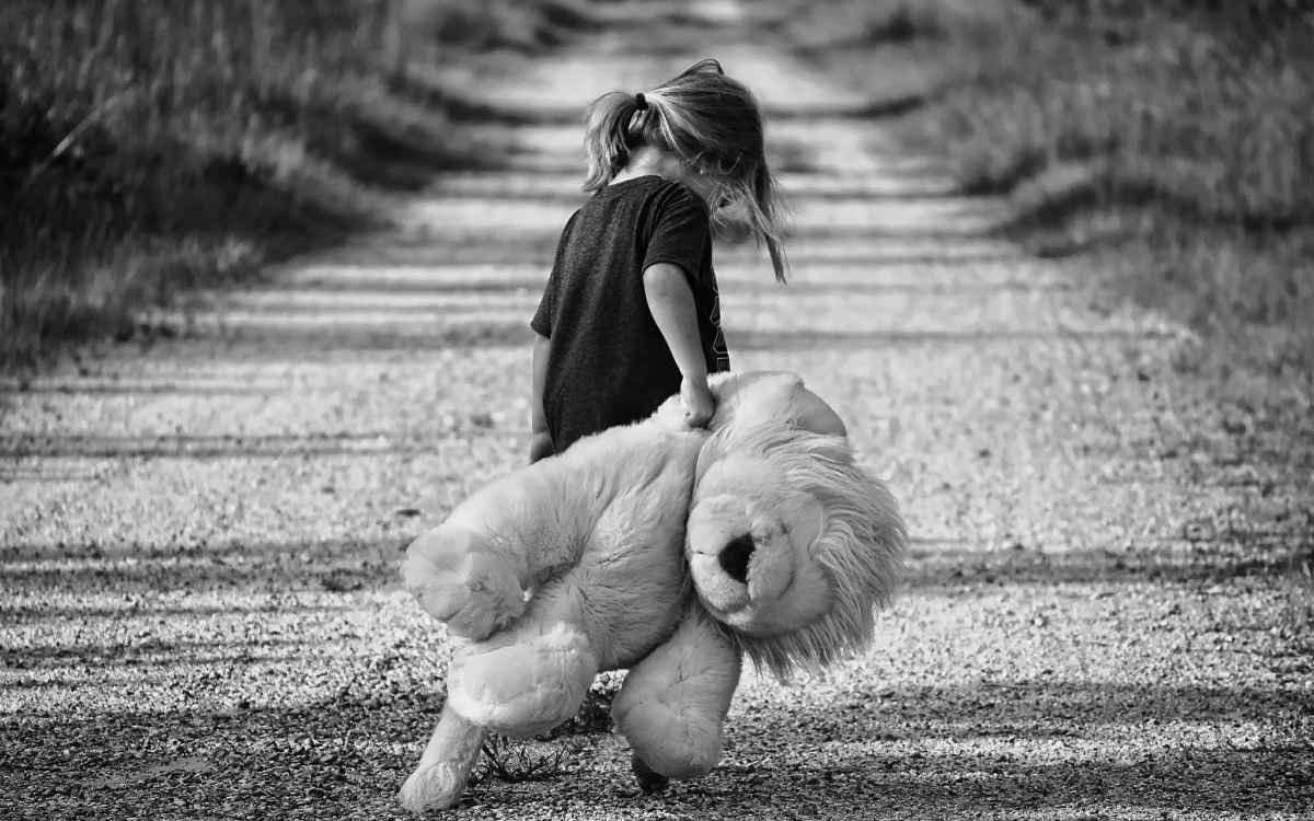 Ein trauriges Mädchen. Symbolfoto: Pixabay