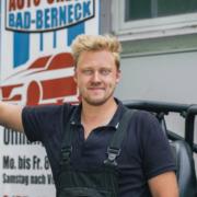 Aus Solidarität mit denen, welche die Corona-Pandemie hart getroffen hat, reparieren RenéKrakow und sein Team in Bad Berneck kostenlosAutos. Foto: privat