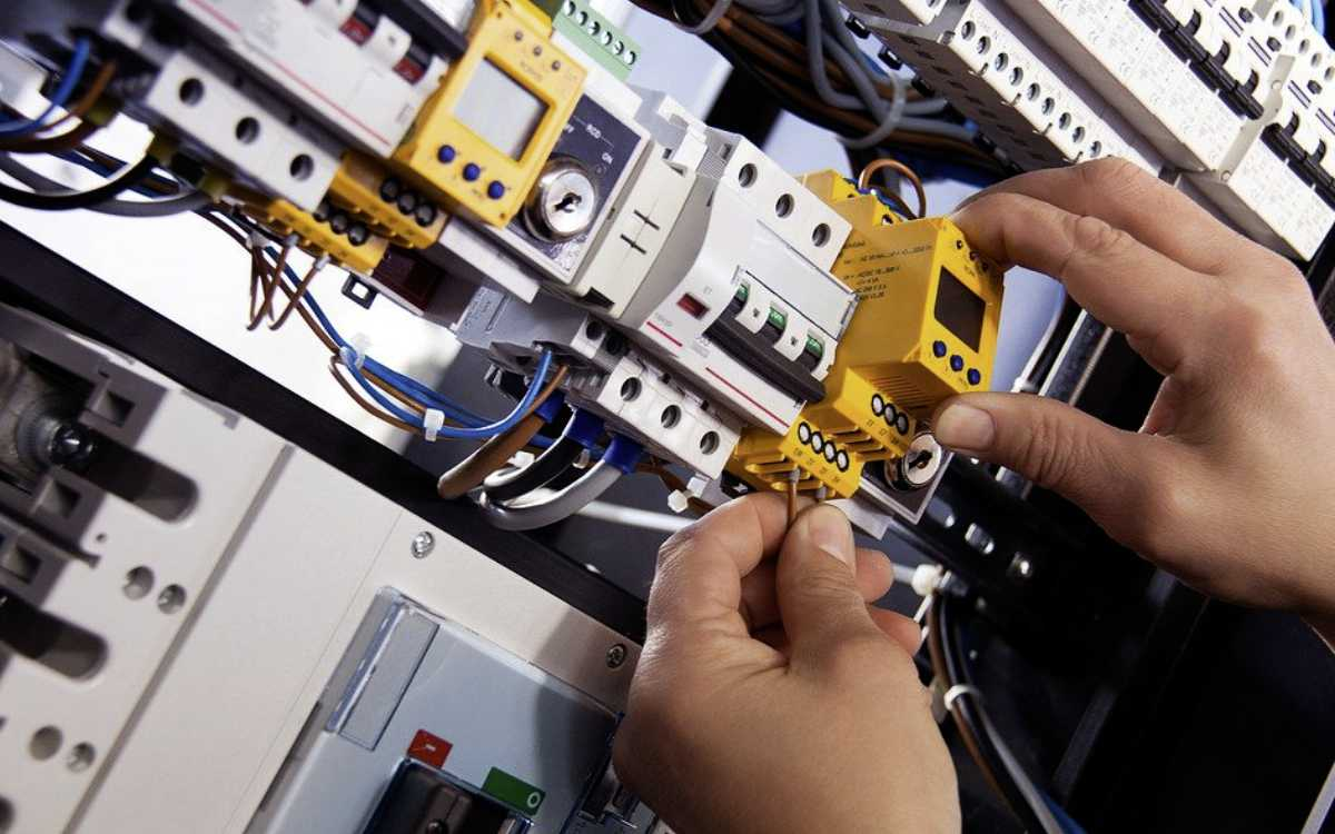 Mehrere Haushalte müssen in Bayreuth am Donnerstag (24.3.2021) vom Stromnetz genommen werden. Ein Verteilerkasten wird ausgetauscht. Symbolfoto: Pixabay