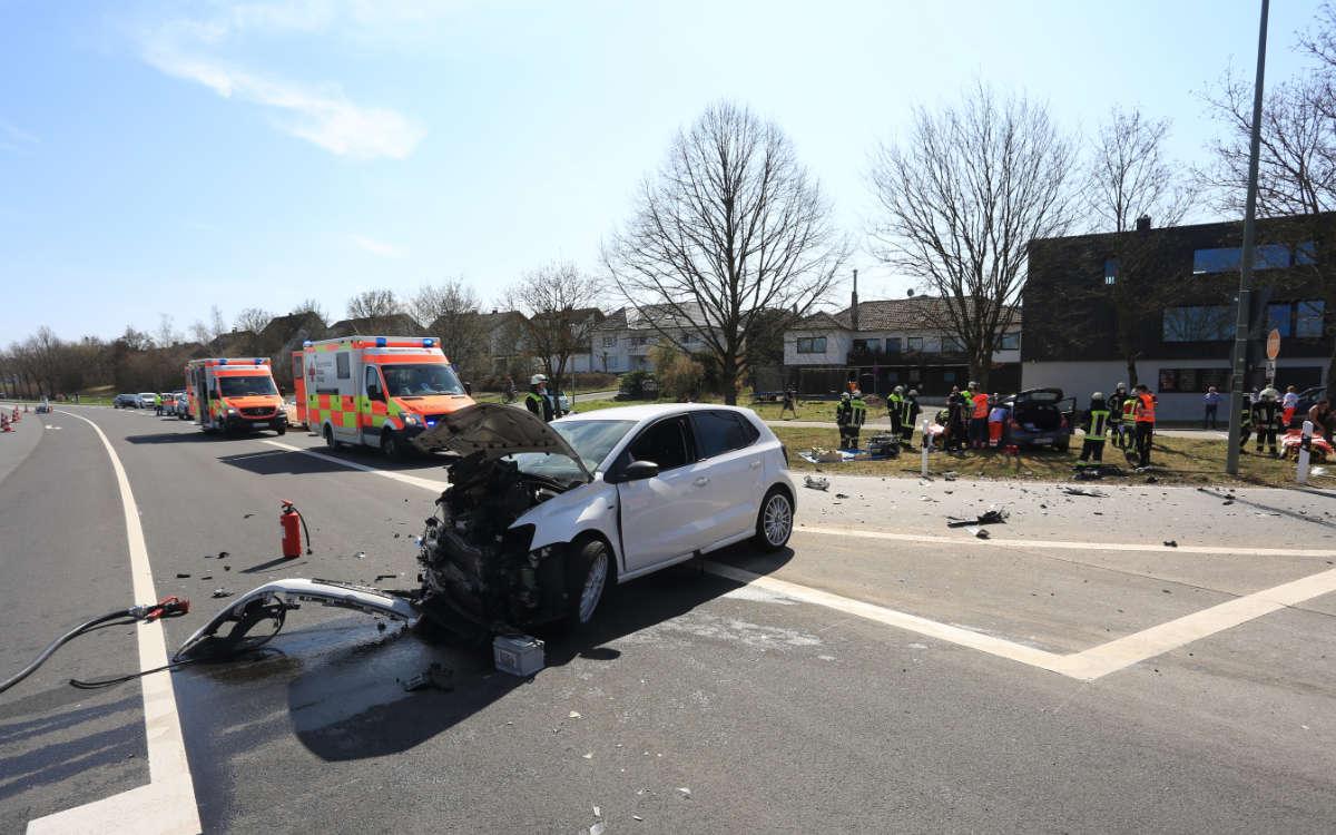 Unfall am 31.3.2021 im Landkreis Bamberg. Es gibt Schwerverletzte. Foto: n5/Merzbach
