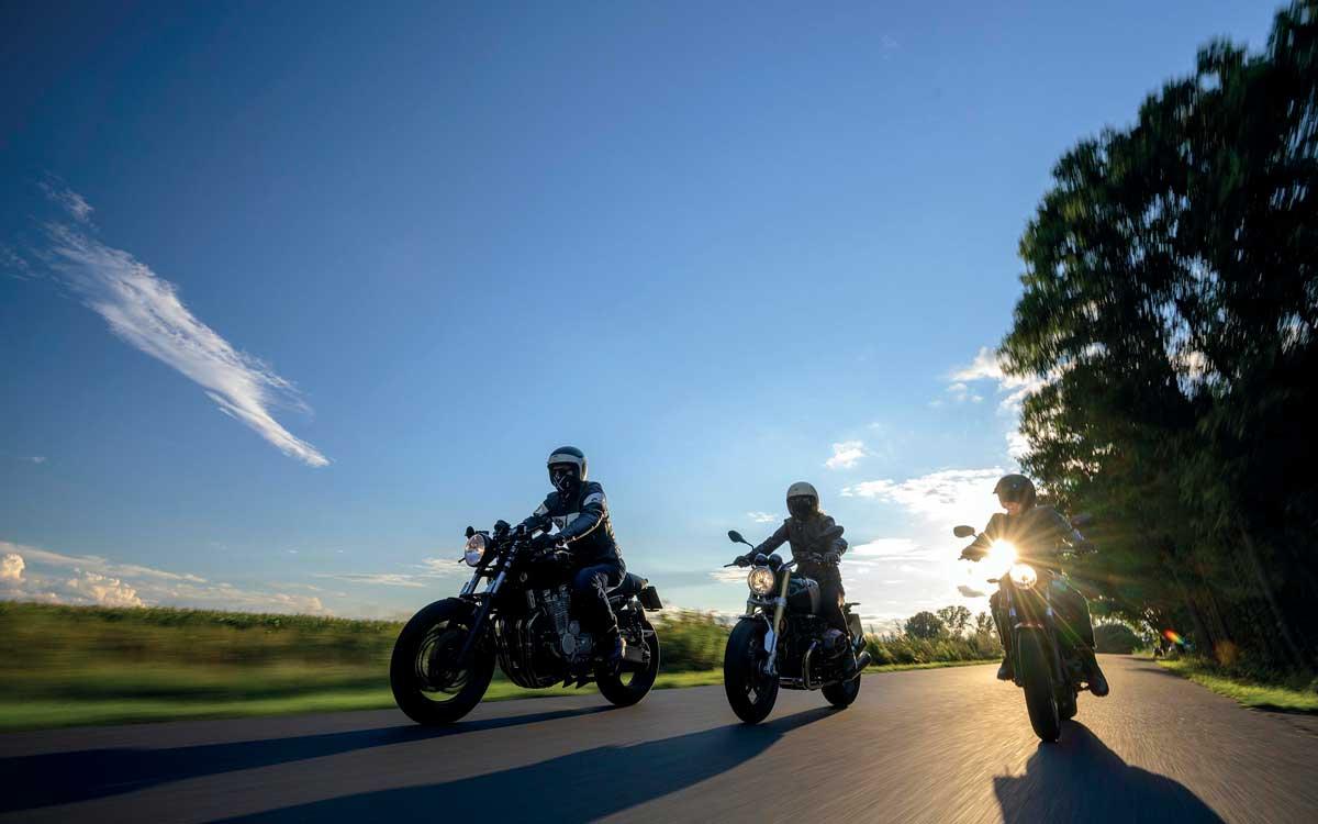 Die Zulassungen legen kräftig zu: Immer mehr Frauen entdecken für sich das Motorradfahren als Hobby. Foto: Polo-Motorrad/TRD mobil/akz-o