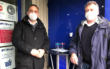 Vier Kunden in einer Woche: Dominik Neise (li.) und Udo Bergmann (re.) vor ihrem Camping-Fachgeschäft in Bindlach. Foto: Jürgen Lenkeit