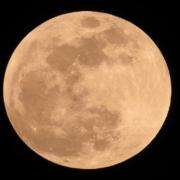 Supermond über Deutschland. Ab Montag gibt es einen Pink Moon. Symbolfoto: pixabay