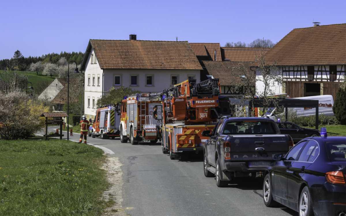 Bei einem schweren Unfall im Landkreis Bamberg stürzte ein Arbeiter mehrere Meter in die Tiefe. Er verletzte sich schwer. Foto: News5/Merzbach