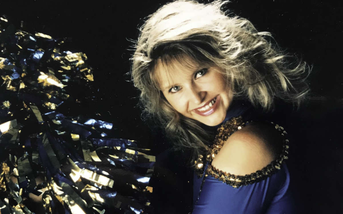 Sandra Stockinger trainiert heute die Cheerdancers Diamonds. In den 90er-Jahren war sie selbst Cheerleaderin in Bayreuth und stand bei den Spielen von Steiner Bayreuth auf dem Parkett. Foto: Privat