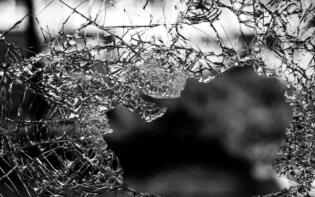 Ein Ladengeschäft in Schwarzenbach a.W. wurde Opfer sinnloser Gewalt. Bild: Pixabay