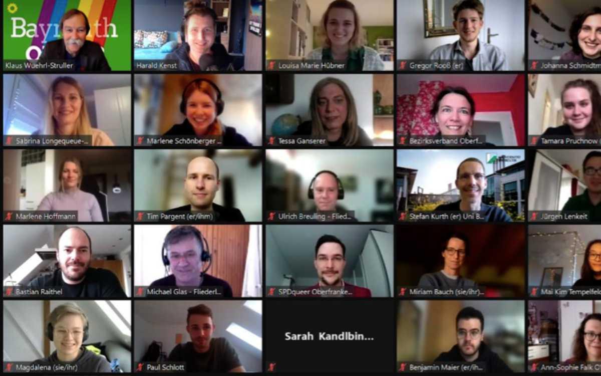 Zahlreiche Angehörige und Unterstützer der queeren Community in Bayreuth: Das Zoom-Meeting zum Thema