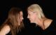 Zwei tanzende Frauen werden auf TikTok zum viralen Hit: Symbolbild: Pixabay